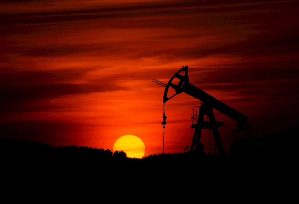 US Oil and Gas Rigs in Operation Drop By 60% as Prices Embark On Recovery