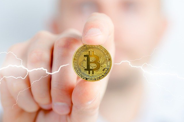 Bitcoin Coin in de hand